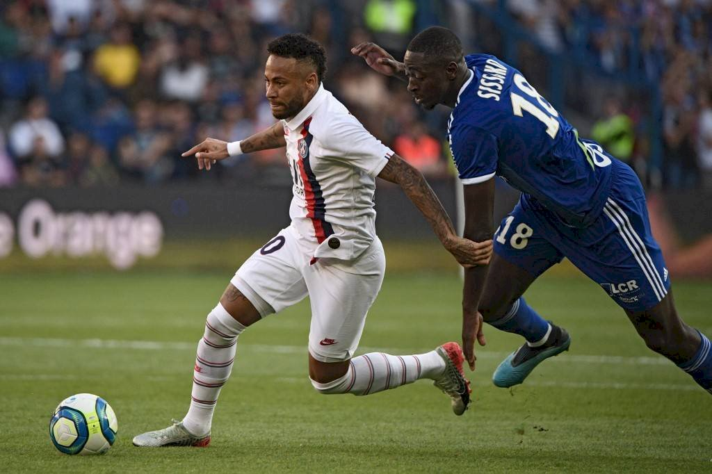 Neymar le da el triunfo al PSG