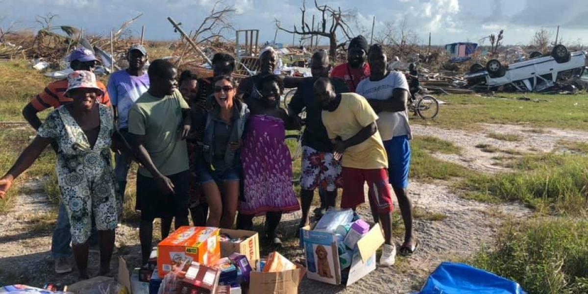Piloto descubre y socorre junto a su esposa a personas varadas entre los escombros en las Bahamas