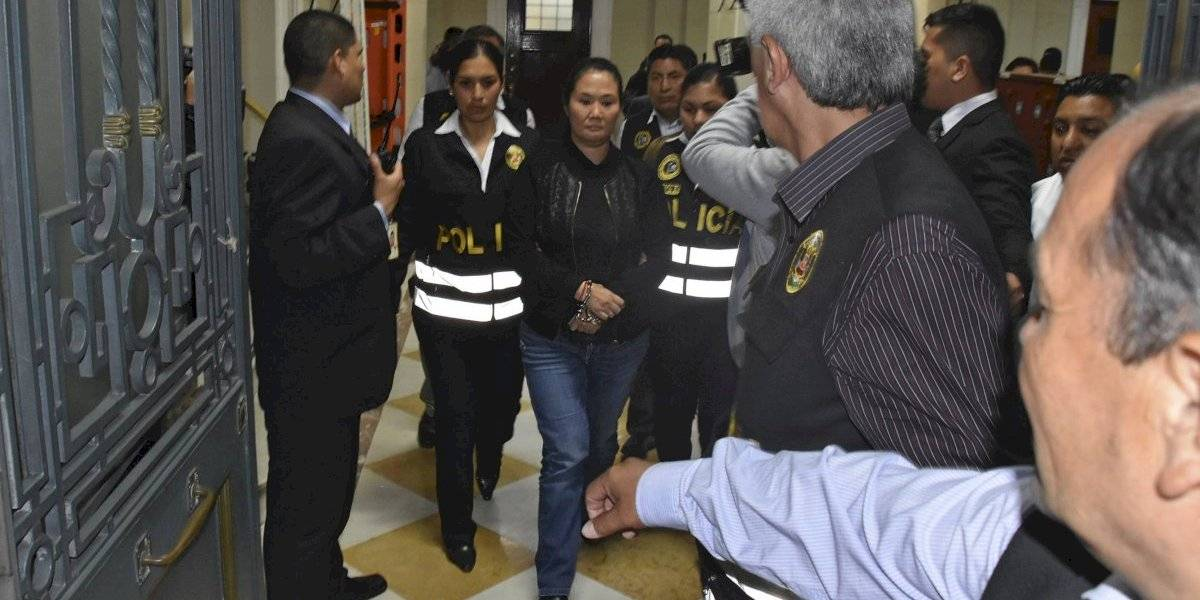 """Acusa """"jugadas sucias"""" de la Fiscalía de Perú: esposo de encarcelada Keiko Fujimori en huelga de hambre"""