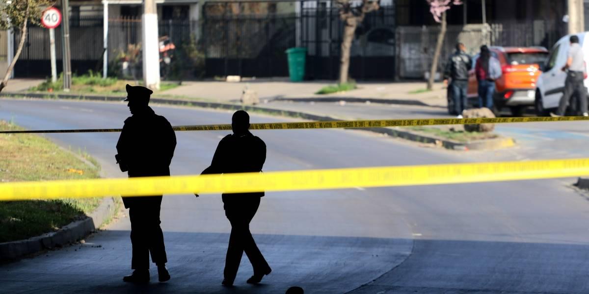 En riesgo vital quedó un herido por balacera en Recoleta en riña entre pandillas