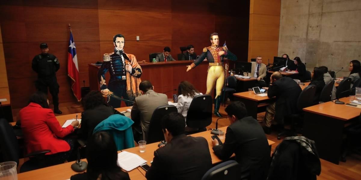 """Baradit pone en tela de juicio a nuestros """"Héroes"""": """"Bernardo O'Higgins era un dictador corrupto, bien autoritario"""""""