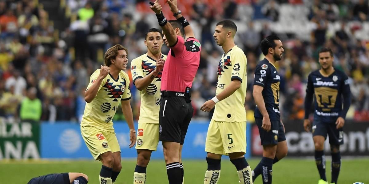 VIDEO: La terrible entrada de Córdova que dejó a América con 10 jugadores