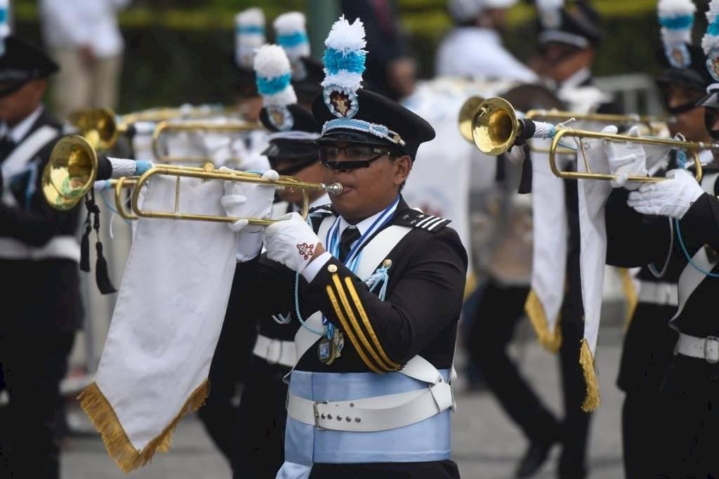 El desfile de bandas se realiza cada 15 de septiembre. Foto: Omar Solís