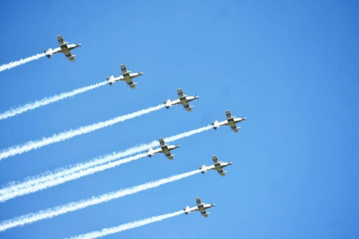 Parada aérea desfile
