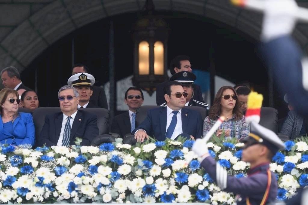 La Primera Dama, Patricia de Morales vistió un vestido elaborado con tela típica. Omar Solís