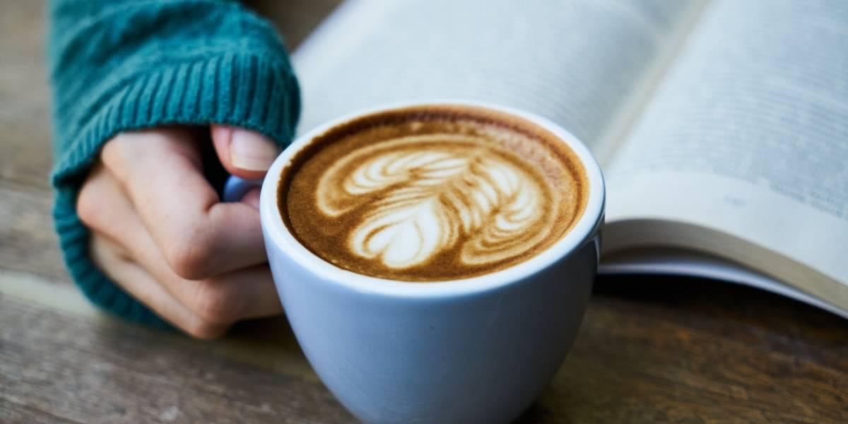 Beber café disminuye opciones de contraer cálculos biliares