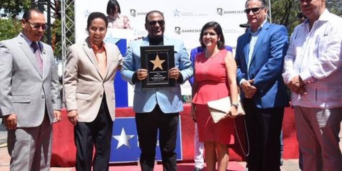Wilfrido Vargas tiene su estrella en el Bulevar de la Churchill