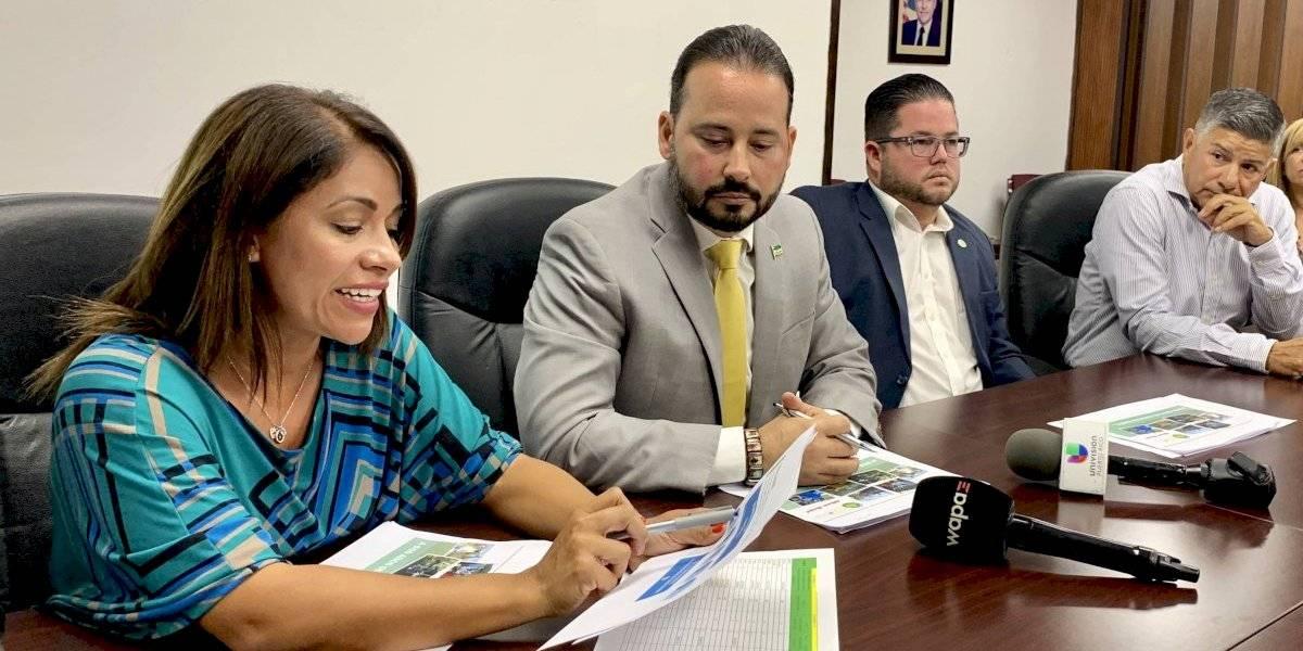 Alcaldes presentan radiografía a dos años del paso del huracán María