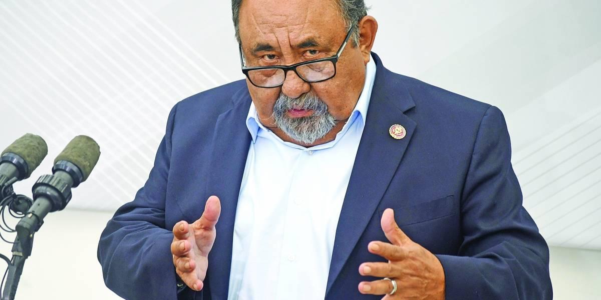 Raúl Grijalva arroja positivo a COVID-19