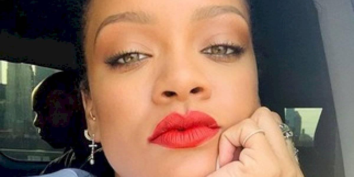 Rihanna responde con fotos si está o no embarazada