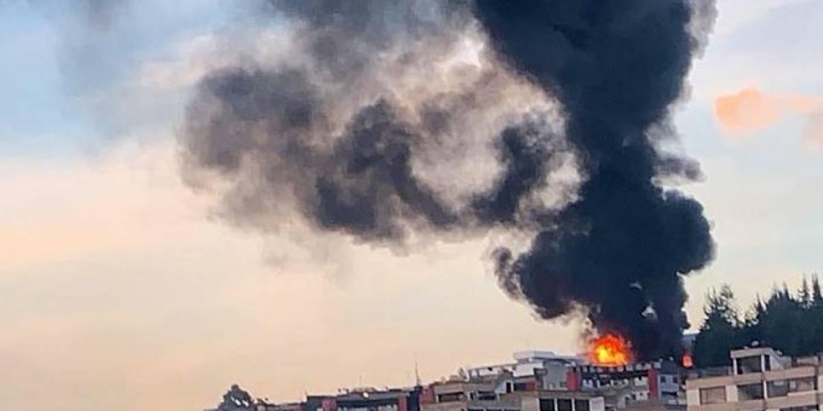 Se reporta incendio estructural en el norte de Quito