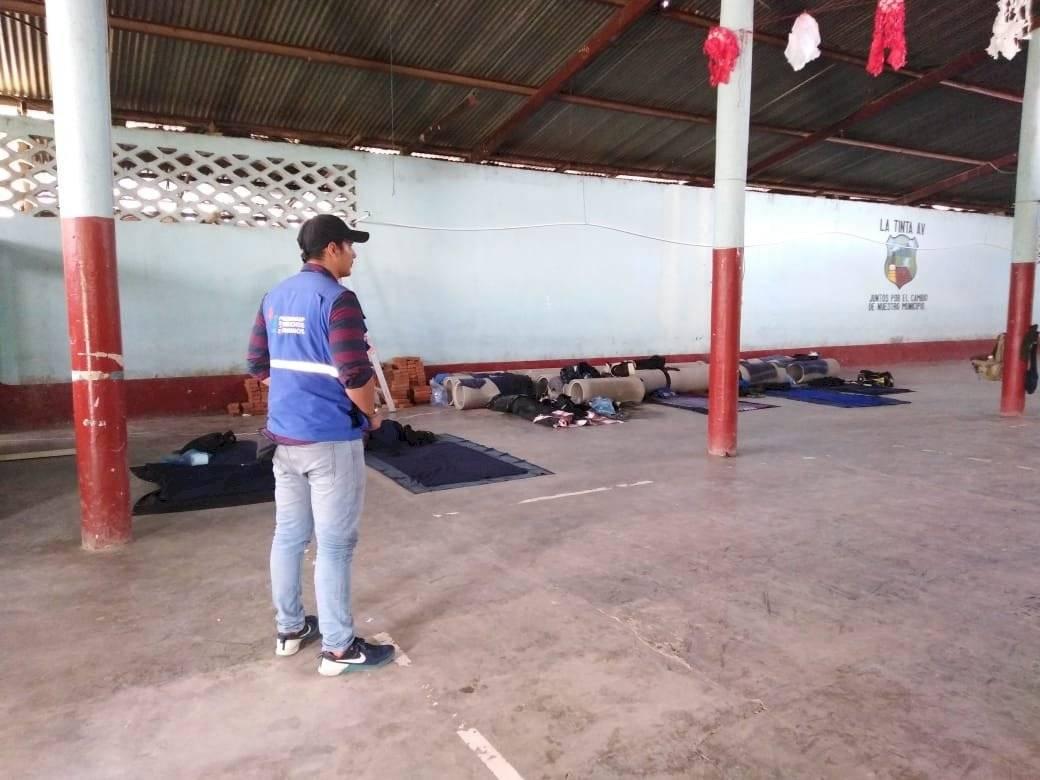 Los agentes de la Policía de Santa Catalina La Tinta no tienen colchonetas para dormir. Foto: PDH