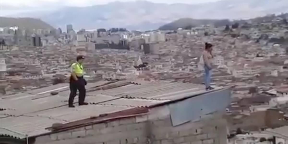 Policía evitó que una mujer de 23 años se suicidara en Quito