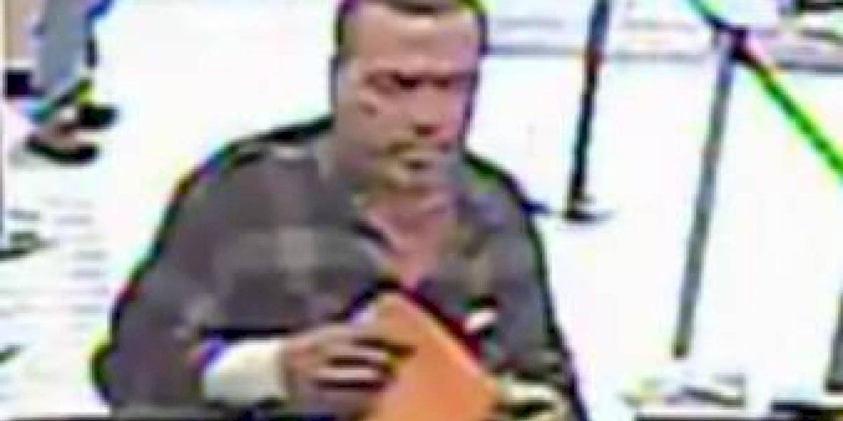 Buscan a este hombre por fraude en San Juan