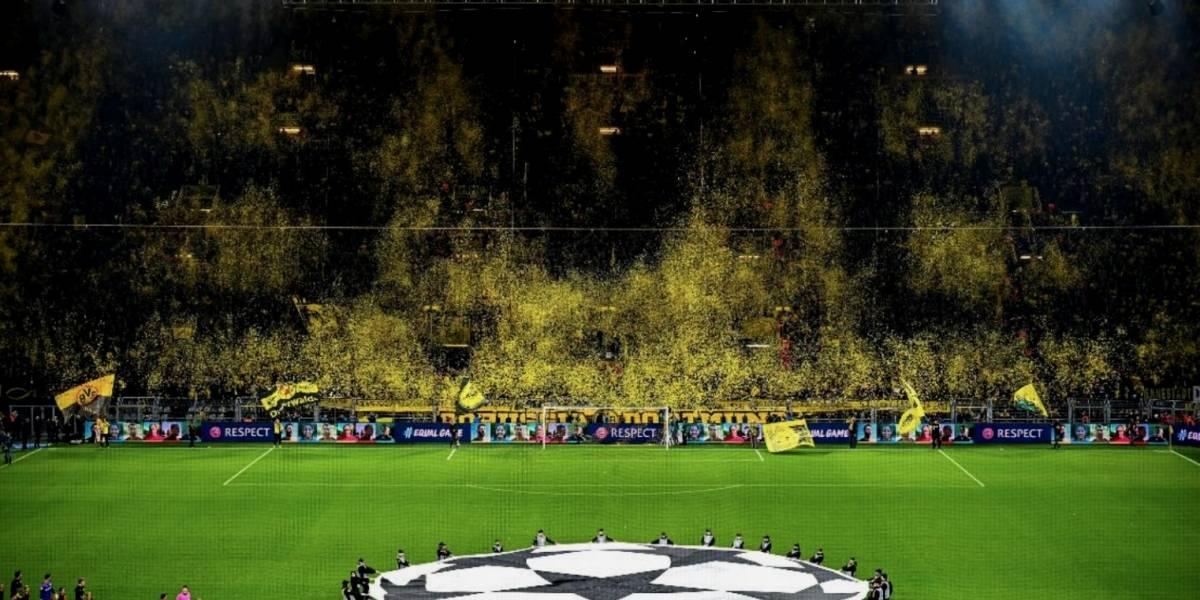 VIDEO: Afición del Borussia saca espectacular mosaico frente al Barça
