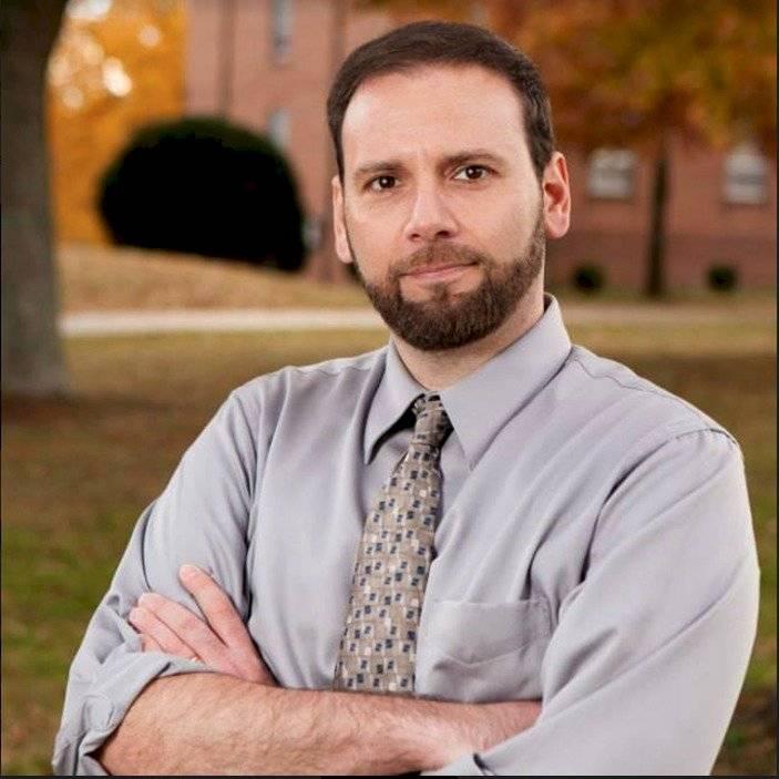 Joseph Fitsanakis, profesor asistente en la Universidad de Coastal Carolina, Carolina del Sur, y especialista en inteligencia y seguridad nacional