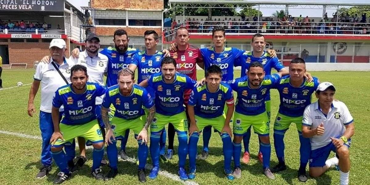 Mixco anuncia a su nuevo técnico y da de baja a nueve jugadores