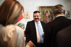 Embajada de Perú condecora al presidente de Grupo Emisoras Unidas, Edgar Archila Marroquín