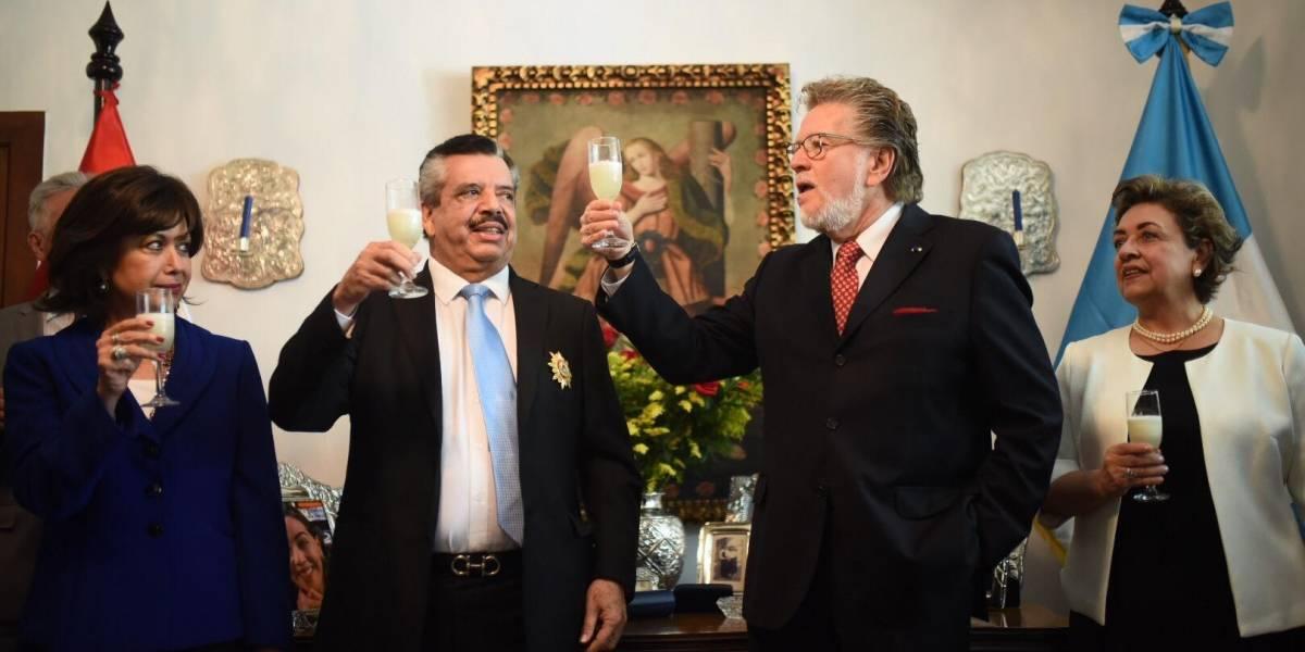 Embajada del Perú entrega condecoración a Edgar Archila Marroquín, presidente de Grupo Emisoras Unidas