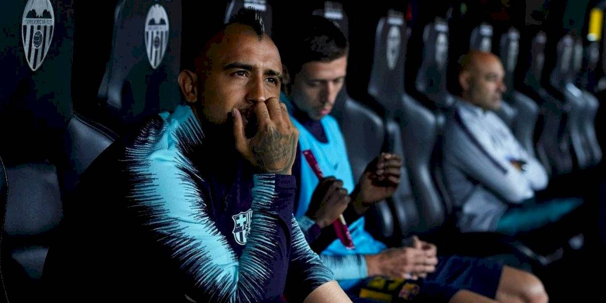 Igual que Alexis: Vidal también se quedó en la banca y no ingresó en el debut del Barcelona en la Champions