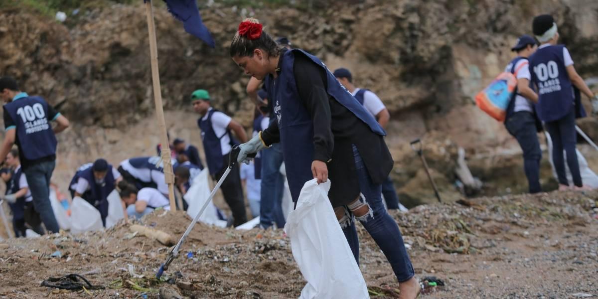 Realizan jornada de limpieza de playa en Fuerte San Gil