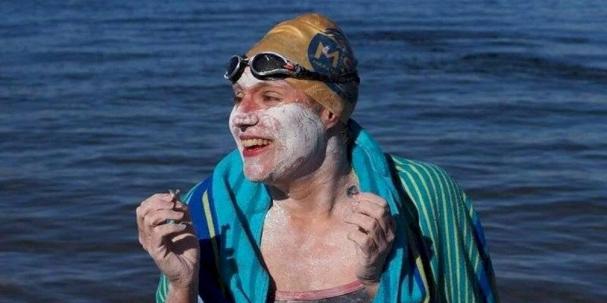 Sobreviviente de cáncer atravesó cuatro veces el Canal de la Mancha