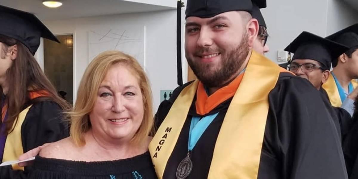 Hijo de Susan Soltero se gradúa