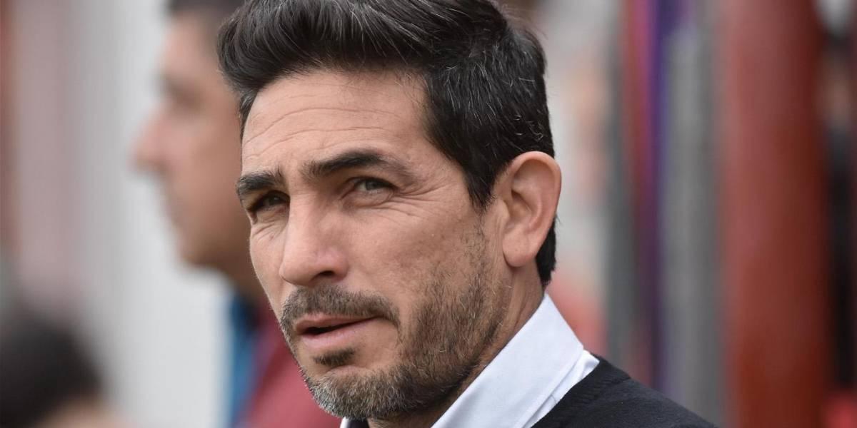 Las redes de Bragarnik la vuelven a hacer: El argentino Walter Coyette asoma como nuevo DT de U. La Calera