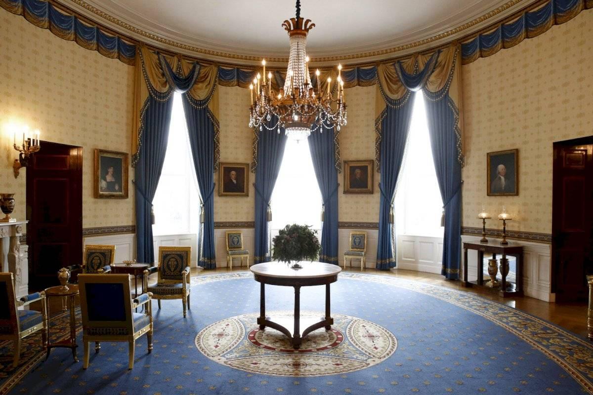 Muebles restaurados en la Habitación Azul de la Casa Blanca en Washington.