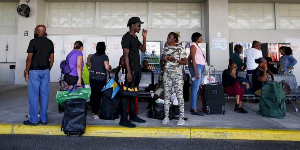 Llegan a Florida más de 200 bahameños evacuados por Dorian