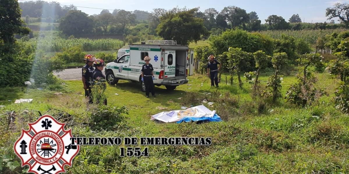 Localizan dos cadáveres calcinados en ruta de Santiago Sacatepéquez