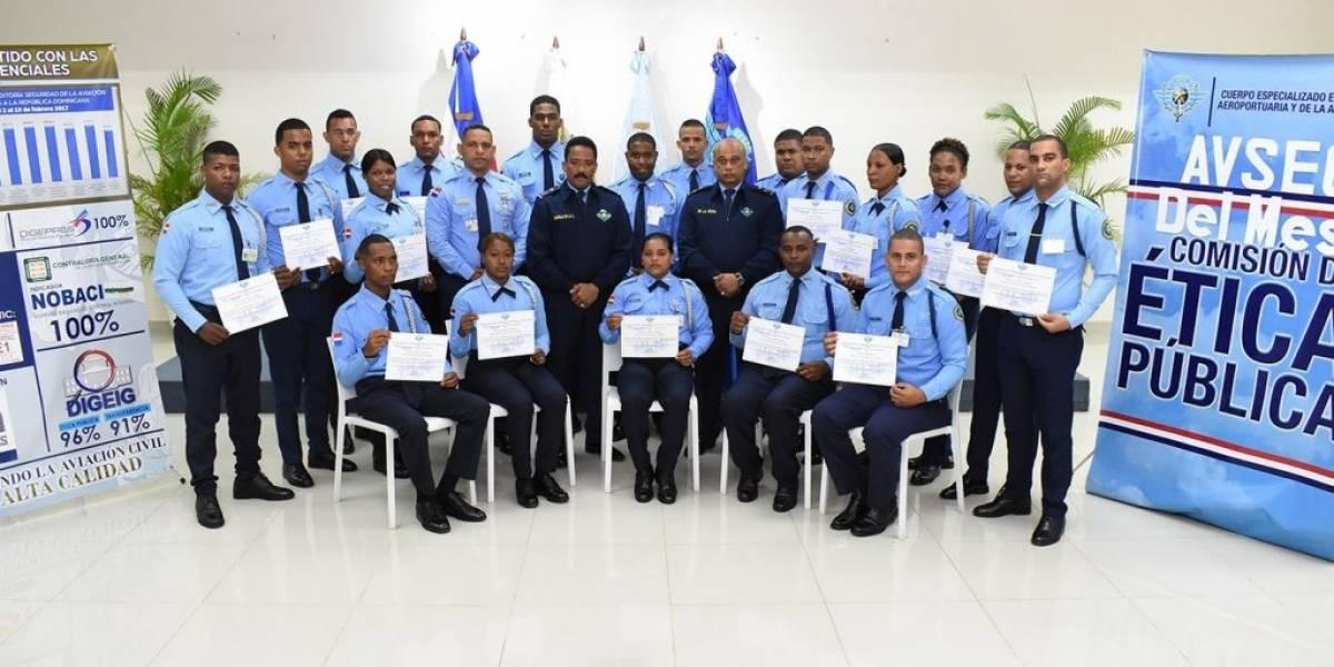 CESAC reconoce labor de sus agentes en aeropuertos