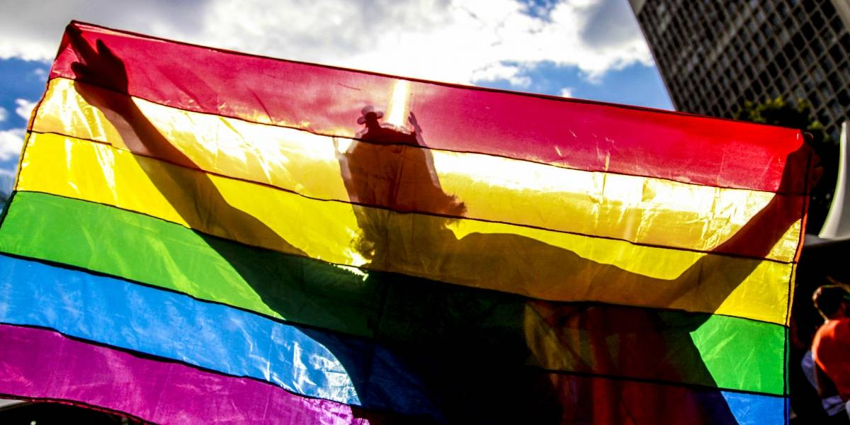 Bruno Covas sanciona lei que pune LGBTfobia em São Paulo