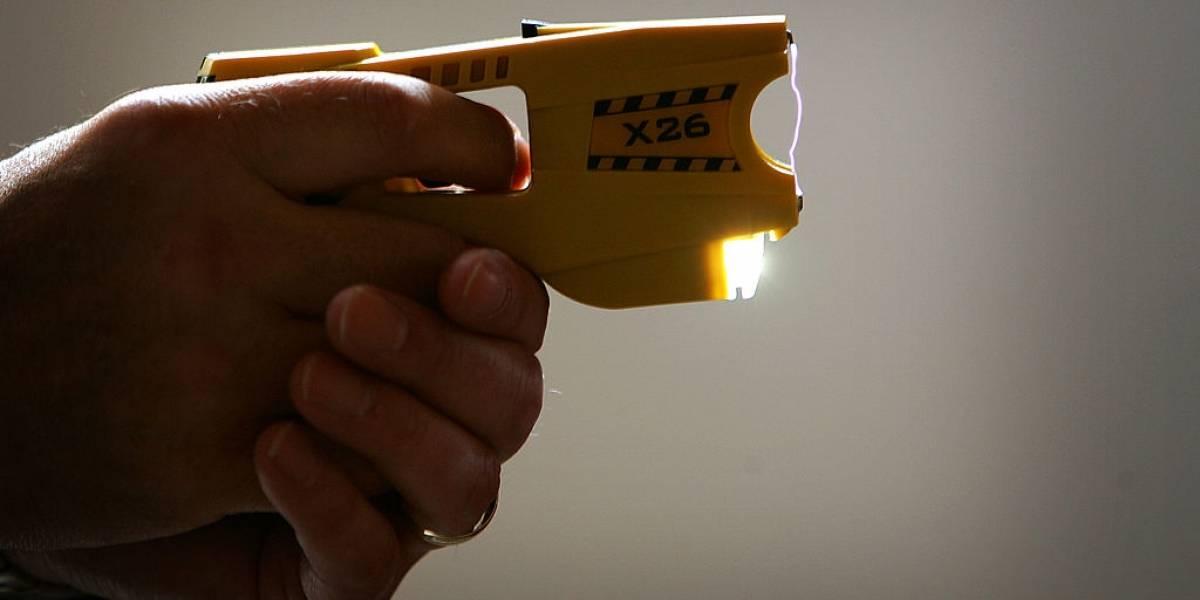 Las pistolas taser llegan a Chile: los carabineros ya pueden utilizarlas