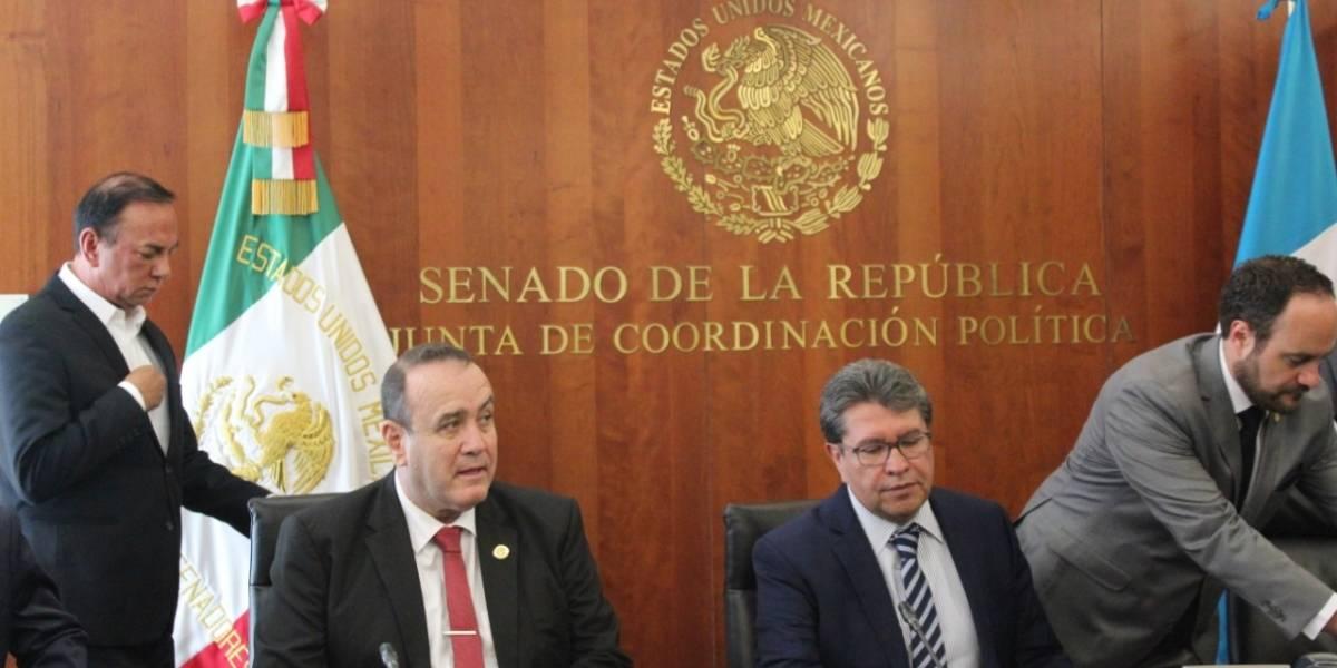 Alejandro Giammattei se reúne con senadores mexicanos