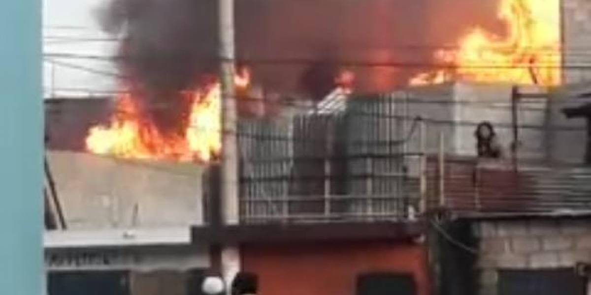 Incendio en zona 6 deja cuatro heridos
