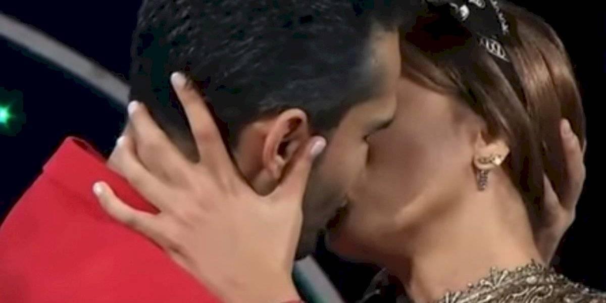 Fabián Ríos se besa una y otra vez a Mónica Pastrana