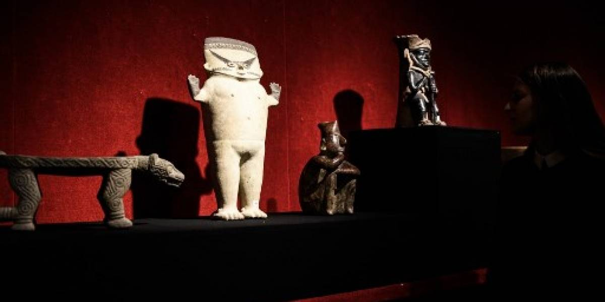 Subastan en París colección de arte precolombino pese a protestas de México