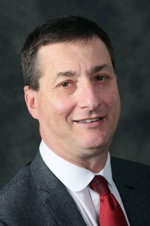Yossi Mekelberg profesor de relaciones internacionales en la Regent
