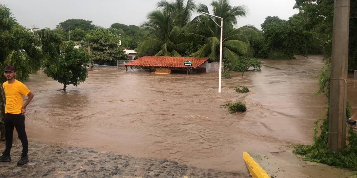 Huracán 'Lorena' causa estragos severos en la Costa de Jalisco