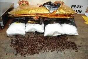 Polícia apreende 17kg de cocaína em embalagens de café no aeroporto de Guarulhos