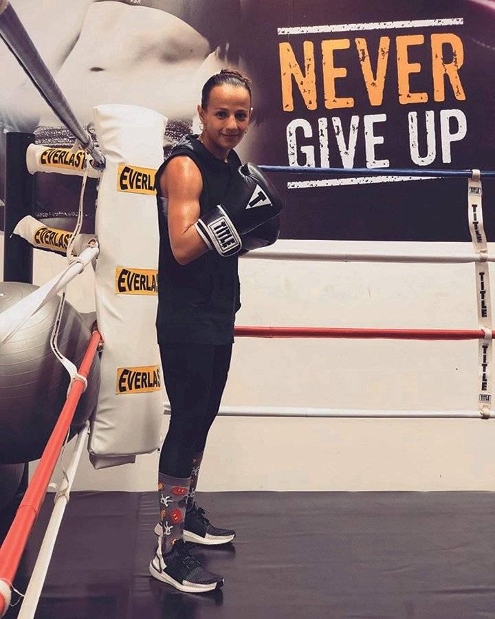 """Boxeadora guatemalteca María """"la Imparable"""" Micheo"""