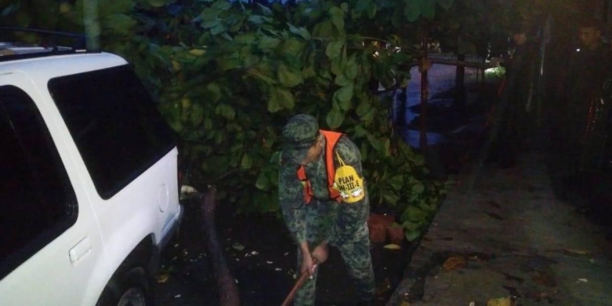 Huracán Lorena causa inundaciones y deslaves en Colima