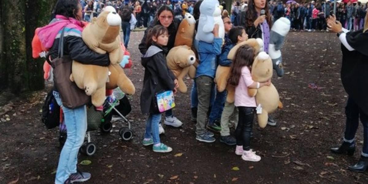 Entrega de peluches gratis de Miniso en el Parque de la 93 terminó suspendida por desorden de la gente