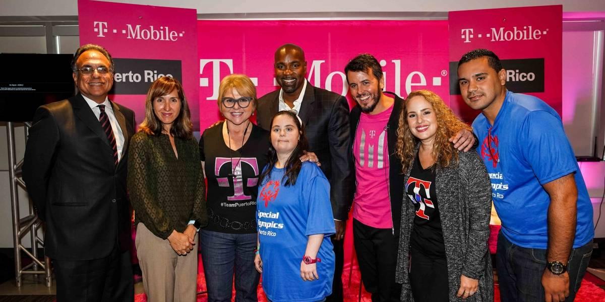 Entregan las primeras subvenciones de T-Mobile Foundation
