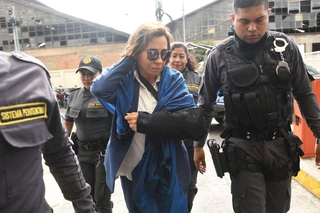 Sandra Torres, excandidata por la UNE, llega a Tribunales