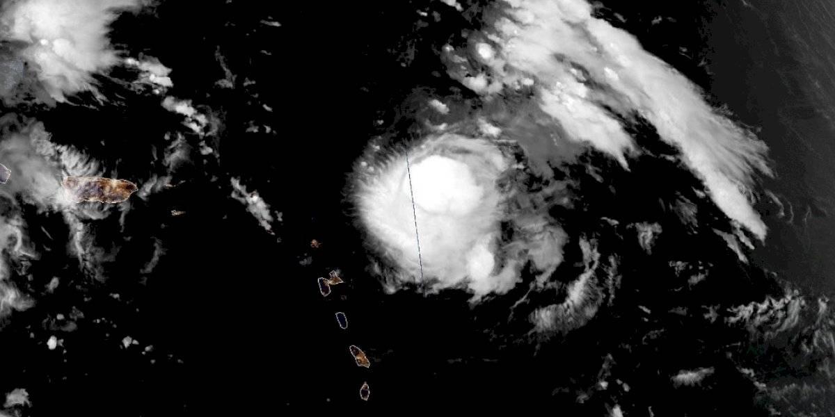 Huracán Jerry fortalece sus vientos y se aleja de Puerto Rico