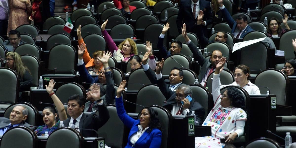 Diputados avalan Ley General del Sistema para la Carrera de los Maestros