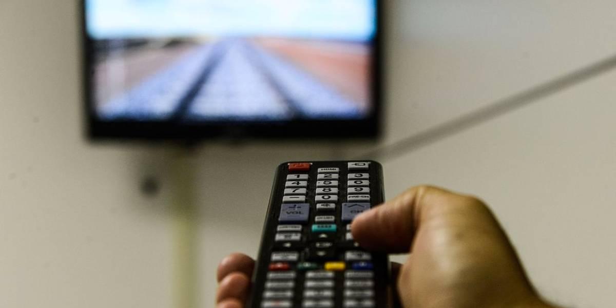 FBI alerta sobre riscos de segurança associados a Smart TV