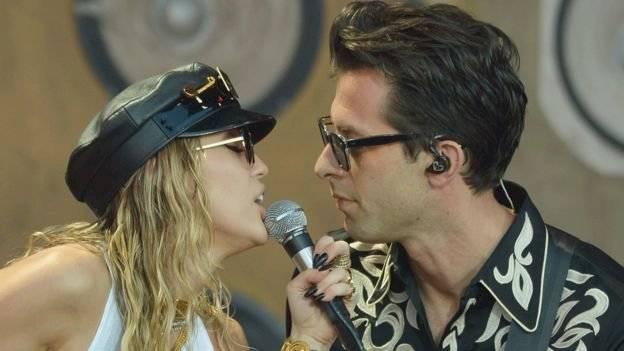 El creador de los éxitos de Miley Cyrus, Lady Gaga, se declara